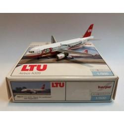 "HERPA 1:500  LTU AIRBUS A320 ""BAYER 04LEVERKUSEN"" 502177 NEW"