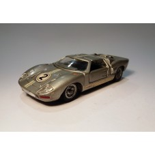 MEBETOYS A 24 / FORD GT 40...
